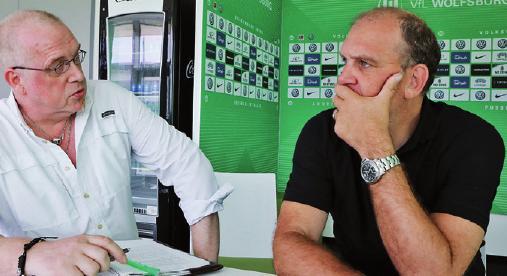 Im Gespräch: AZ/WAZ-Sportredakteur Andreas Pahlmann mit Jörg Schmadtke.