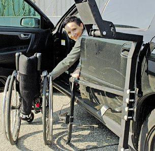 Mit einem individuell angepassten Fahrzeug werden behinderte Menschen mobil