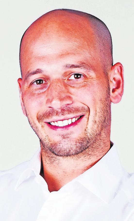 Dr. Rasmus Sperber und sein Teamwissen: Hoffnungslose Zahn-Fällegibt es nicht. Foto: Dr. Rasmus Sperber