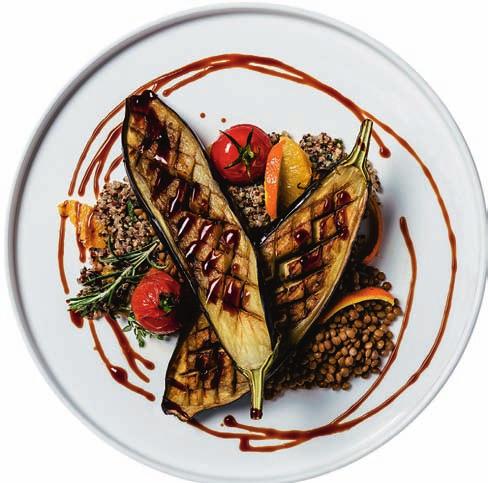 Plant Plate in der RUNBASE: Gegrillte Miso-Aubergine mit marinierten Linsen und Frühlings-Quinoa