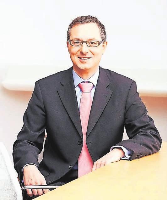 Ulrich Jaeger ist Geschäftsführer der WSW mobil GMBH und somit für den öffentlichen Nahverkehr in Wuppertal zuständig.Foto: WSW
