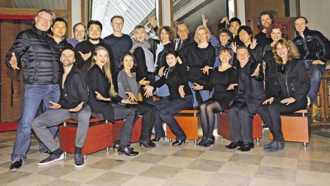 Der Opernchor umfasst 23 Mitglieder und wird seit dieser Spielzeit von Julija Domaseva geleitet PHILHARM. ORCHESTER VORPOMMERN