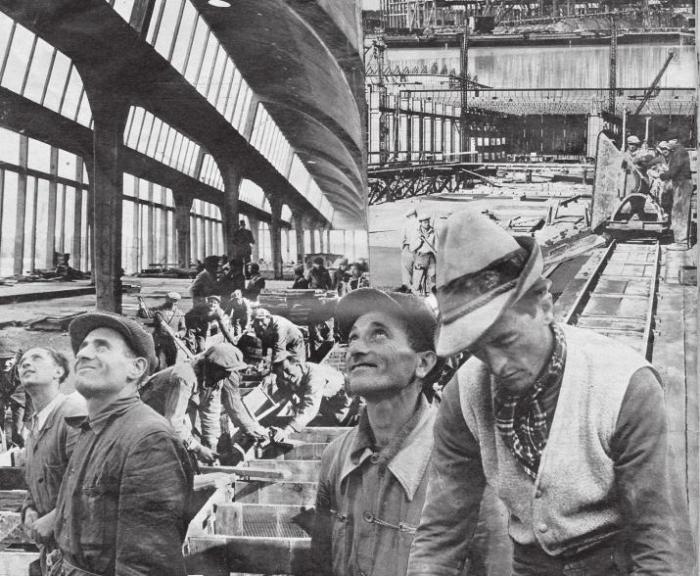 DAS VOLKSWAGENWERK IN FALLERSLEBEN WUCHS: PRODUKTIONSBEGINN WAR IM HERBST 1939.                    © Photowerk Archiv/Meinkd