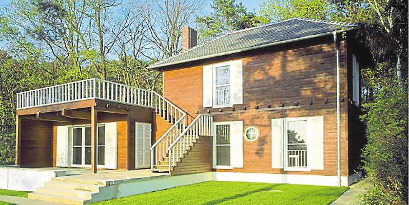 Das Sommerhaus des weltberühmten Physikers Albert Einstein in Caputh bei Potsdam wurde 1929 erbaut. Nach Renovierungsarbeiten ist das Haus seit 2005 wieder für die Öffentlichkeit zugänglich. Foto: Einstein Forum