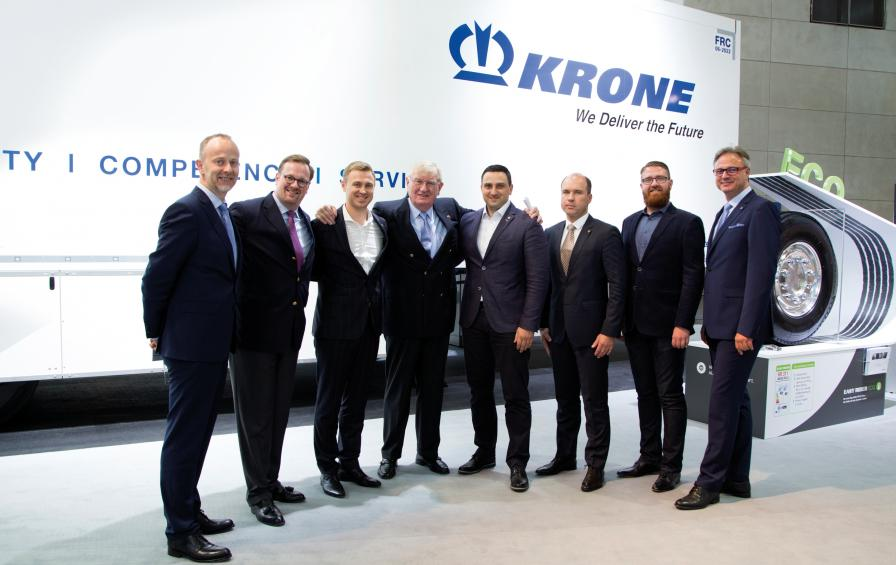 The cooperation began at the IAA 2016: Since then, the Hegelmann Group has purchased 1,000 Krone trailers. In 2018, it opens a new logistics center in Kaunas, Lithuania, with an area of over 25,000 square meters.