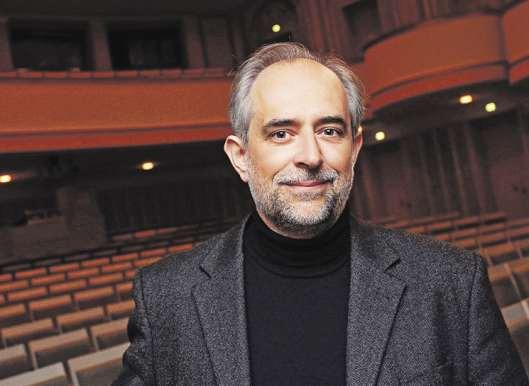Dirigiert eines seiner letzten Konzerte mit seinem Orchester: Generalmusikdirektor Golo Berg. Er geht nach Münster PROMO