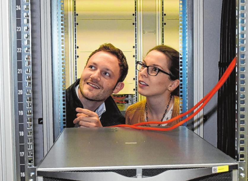 Charlotta Schärfe und Tobias Teriet haben bei Roche spannende Aufgabenfelder gefunden. BILDER (2): TRÖSTER