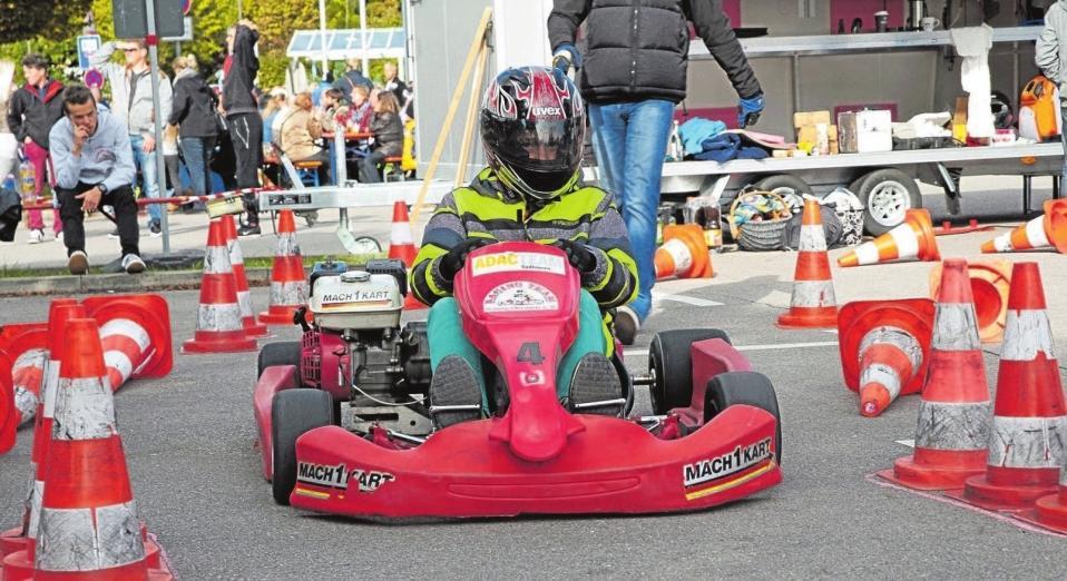 Einen heiden Spaß werden die kleinen Besucher beim Kartfahren auf dem Marktplatz haben.