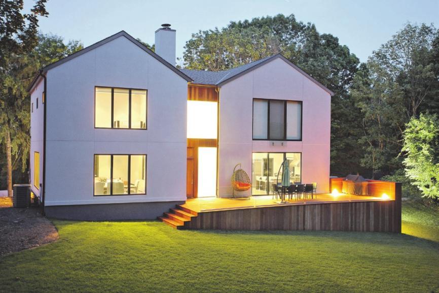 Bei der Planung eines neuen Hauses oder bei einer Modernisierung sollte man nicht an der Installation von Elektro- und Kommunikationsanschlüssen sparen. Foto:djd/E.ON/thx