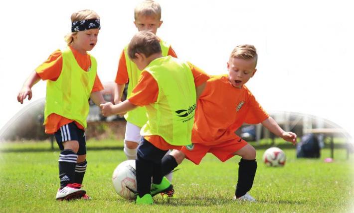 Kicken fürs Leben: Der JFV vermittelt schon den Jüngsten, was Fairplay und Teamgeist sind. Foto: JFV
