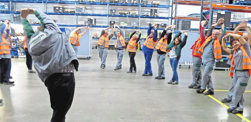 """Gesunde Mitarbeiter: Beim Logistikunternehmen Schnellecke gibt es unter anderem die Angebote """"Azubifit"""" und """"Bewegte Pause"""". PRIVAT"""