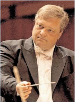 Roman Brogli-Sacher dirigiert die Norddeutsche Philharmonie Rostock HOLGER BRAACK