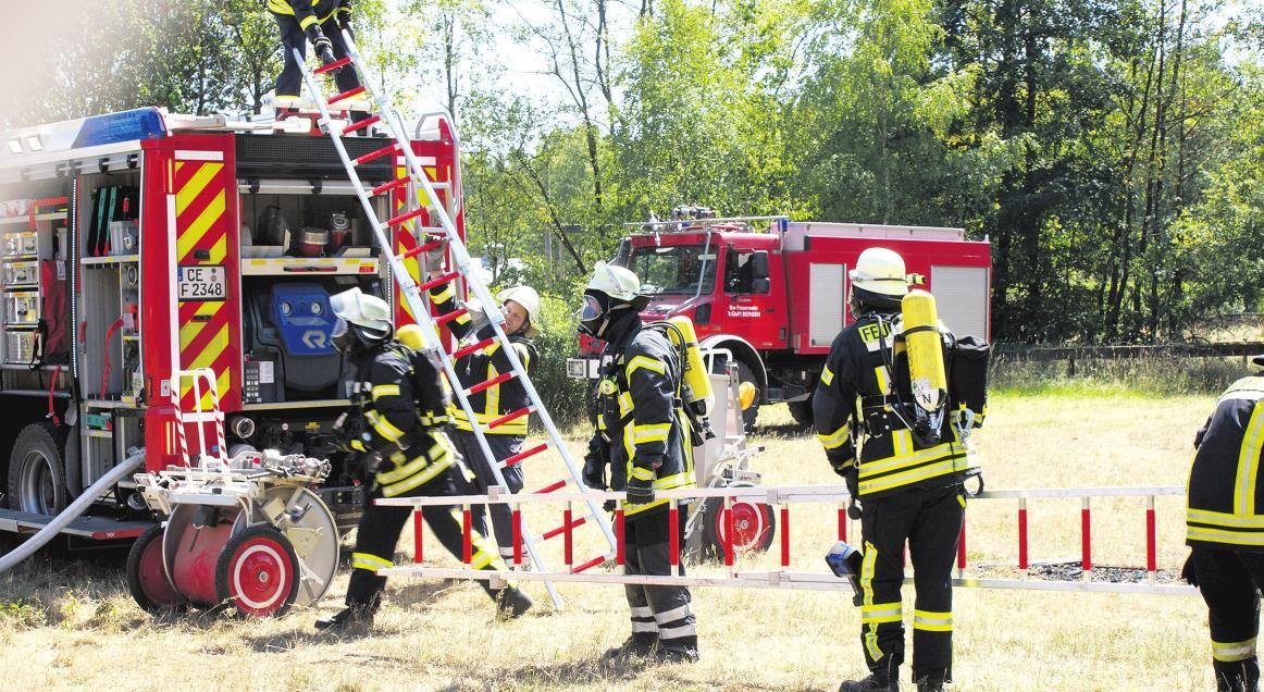 Bei den Einsatzübungen wurde der schnelle Einsatz zur Brandbekämpfung und Technischen Hilfeleistung sowie die Teambildung trainiert. Foto: Holger van Oeffelt