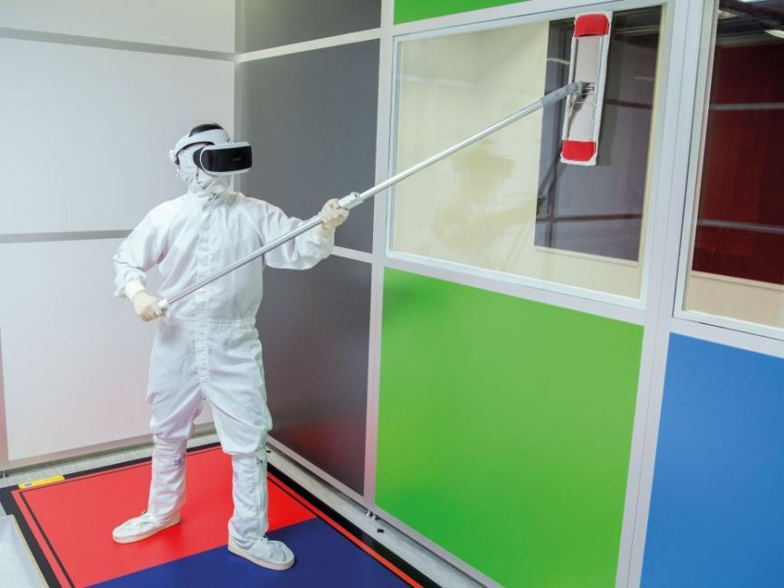 Selbst Reinigungsprozesse erfordern bei den operativen Mitarbeitern Akzeptanz für Digitalisierung und den Einsatz neuer Technologien.