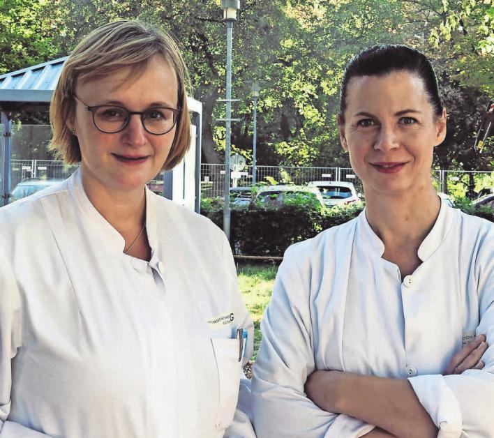 Dr. Katrin Radenbach (li.), ärztliche Leitung der Tagesklinik für ältere Menschen und Dr. Ruth Vukovich (re.), ärztliche Leitung der Gedächtnisambulanz. MAVRIDOU