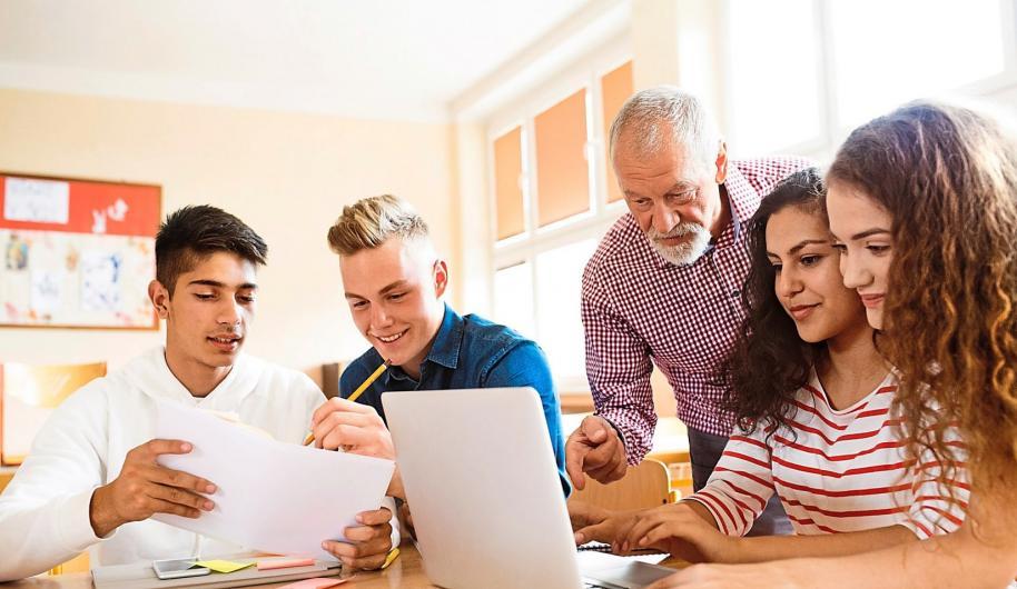 Die Berufs- und Studienberatung an Schulen soll noch mehr gefördert werden. Foto: Getty Images