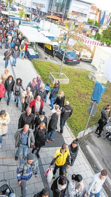 Im Stadtgebiet von Königsbrunn laden auch die Geschäftsinhaber zum ungezwungenen Einkaufsbummel ein.Foto: Valterio D'Arcangelo
