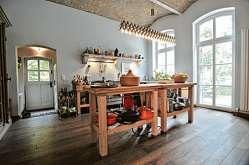 Ihre offene Küche bezeichnet die Hausherrin als ewiges Provisorium.