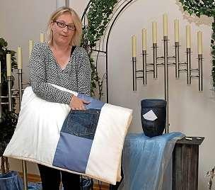 Für Bestatterin Ute Höhn ist es selbstverständlich, mit ihren Angeboten am Puls der Zeit zu bleiben.FOTO: ASTRID SCHMIDT