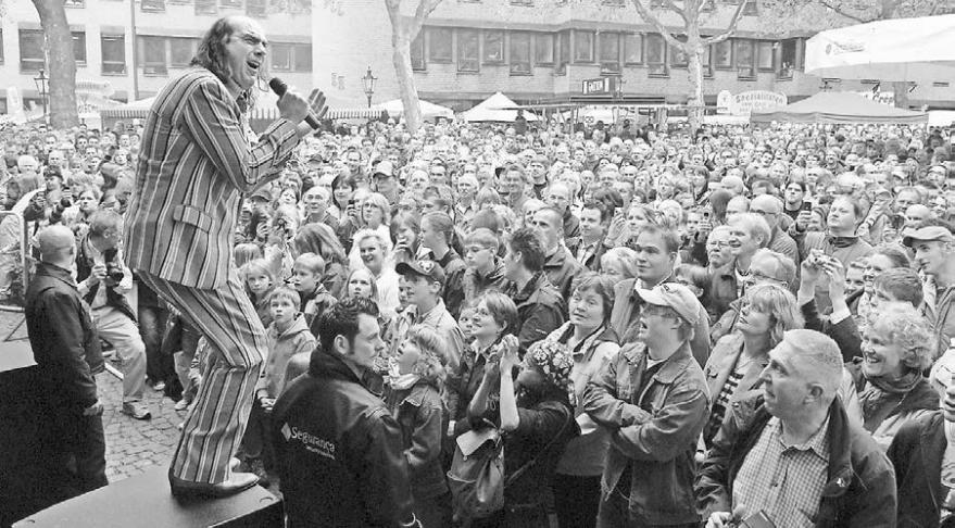 Musik ist immer dabei. Bei den Altstadtfesten wird traditionell ein buntes Bühnenprogramm geboten. Vor zehn Jahren zum 40-jährigen Bestehen war Guildo Horn Stargast.