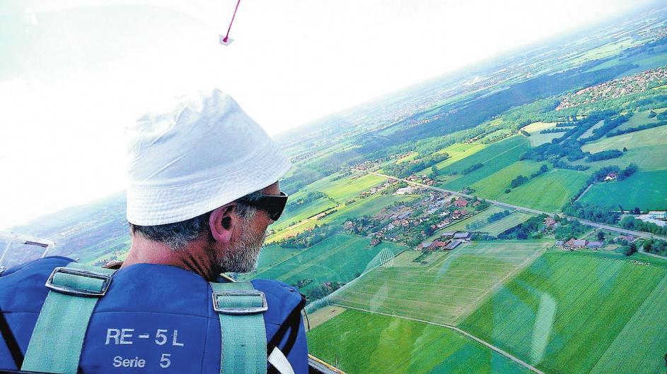 Aus der Vogelperspektive bietet sich eine unvergleichliche Aussicht auf die Schaumburger Landschaft. FOTOS: PR.