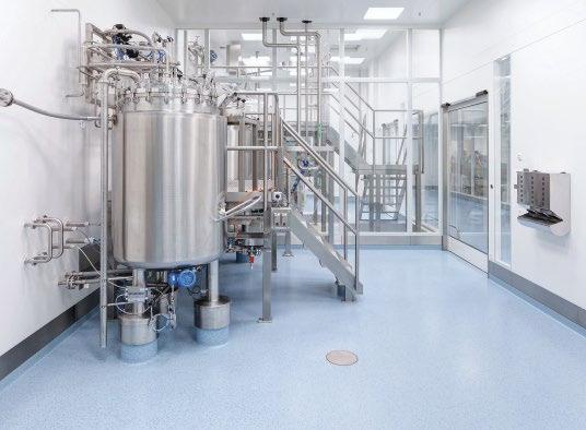 Das neue Produktionsgebäude von Biotest verfügt über drei Prozessebenen mit Reinräumen nach GMP C und D. Die offizielle Inbetriebnahme des Gebäudes nach GMP-Reinraumstandard soll Mitte 2018 erfolgen.