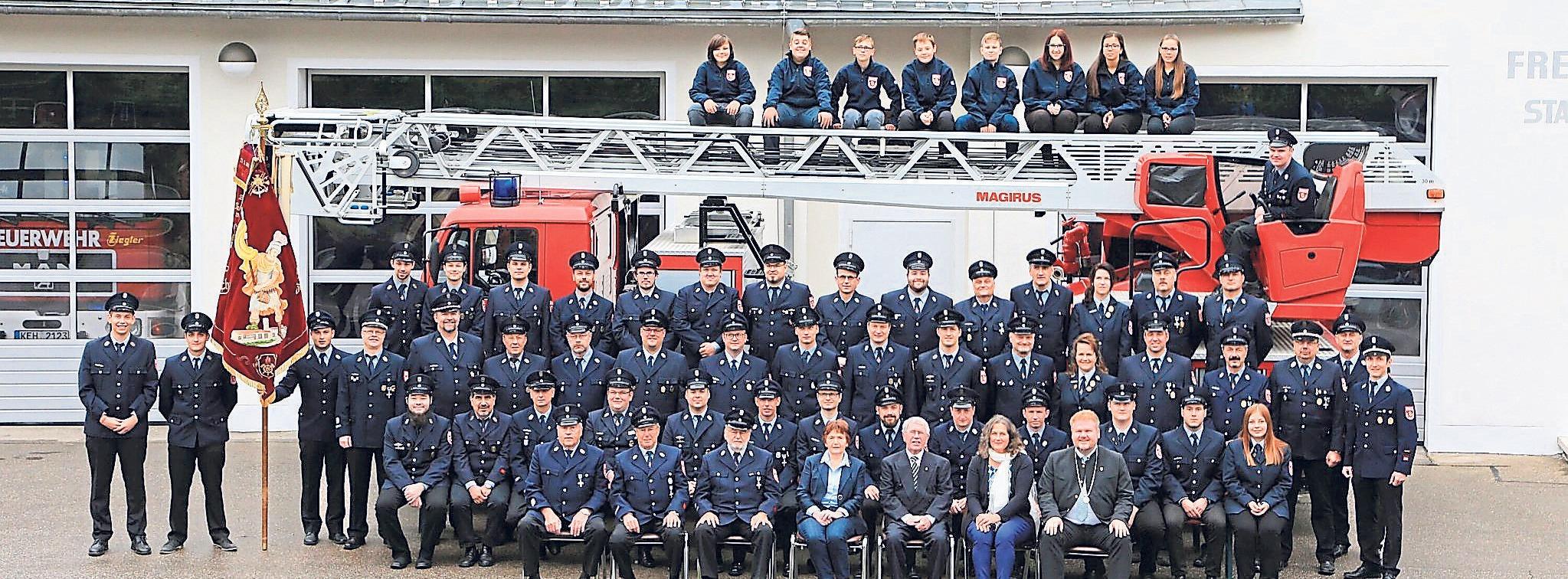 In der Freiwilligen Feuerwehr Riedenburg leisten 89 aktive Mitglieder ihren Dienst am Gemeinwohl. Foto: FFW Riedenburg