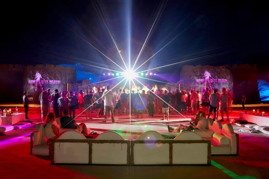 Delegierte unterstützen die Dubai Eyesight Charity Image 5