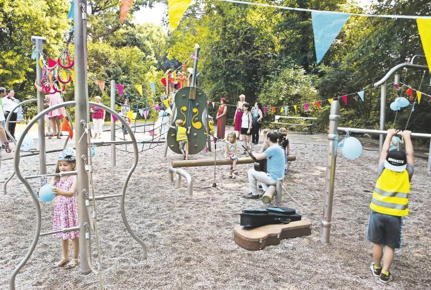 Ein Orchester zum Klettern: Der Notenspur-Spielplatz im Leipziger Stadtteil Stünz zeugt von der Musiktradition der Messestadt. Foto: Dirk Knofe
