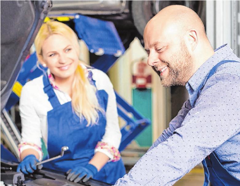 Wer auf Nummer sicher gehen möchte, kann den Wagen vor den Wintermonaten in einer Werkstatt durchchecken lassen. So werden alle Maßnahmen durchgeführt. © Iakov Filimo/Shutterstock.com