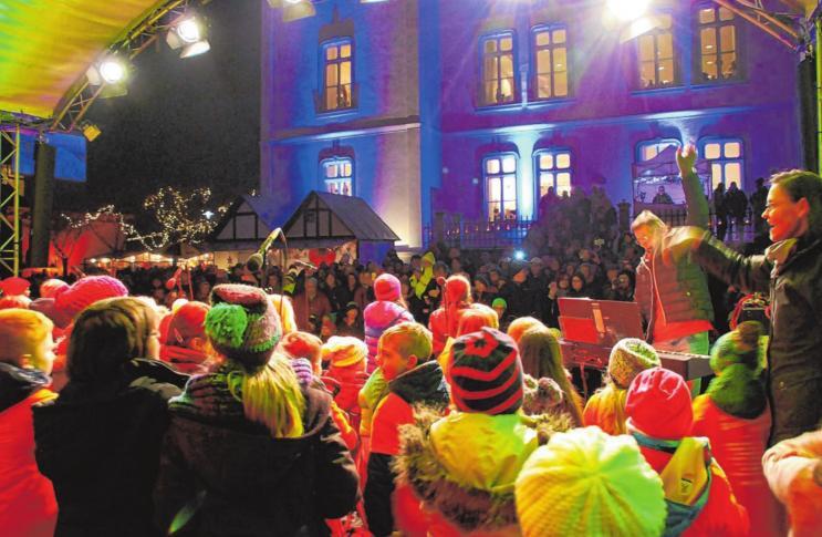 Geschmücktes Weihnachtsdorf