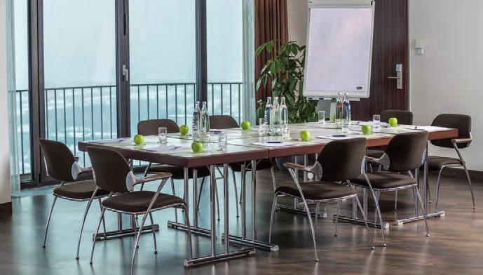 Dorint An der Kongresshalle Augsburg: Hotelturm der Moderne