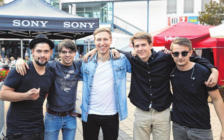 """""""Stage Teens"""", Vor Rotterdam und Roxette-CoverbandTombola und moderne Technik"""