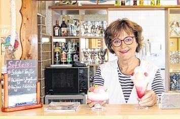 30 Jahre Eiscafé Evelyn Rose in Berge: Eissorten wie Kokos-Eis