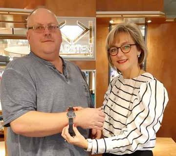 Juwelier Karsten im Schlosspark-Center Schwerin: Bering-Uhr verlost