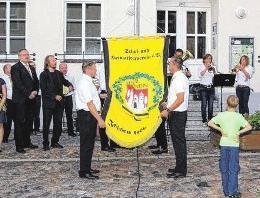 Festmotto ehrt die Kameraden der Feuerwehr