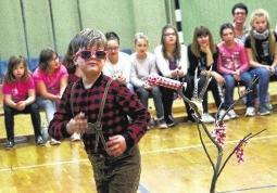 Schüler schlüpfen in die Rolle ihrer Idole
