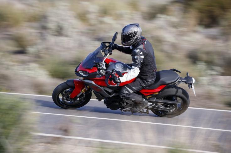Verschiedene Motorräder ausgiebig Probefahren