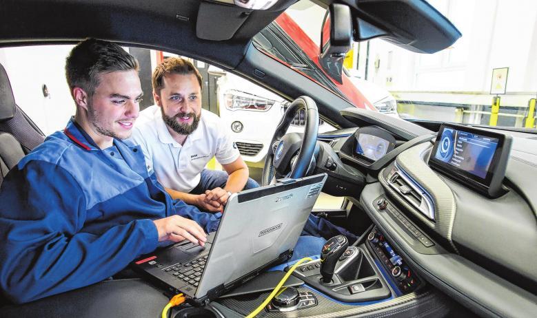 Kfz-Mechatroniker: Vom Autoschrauber zum Multitalent