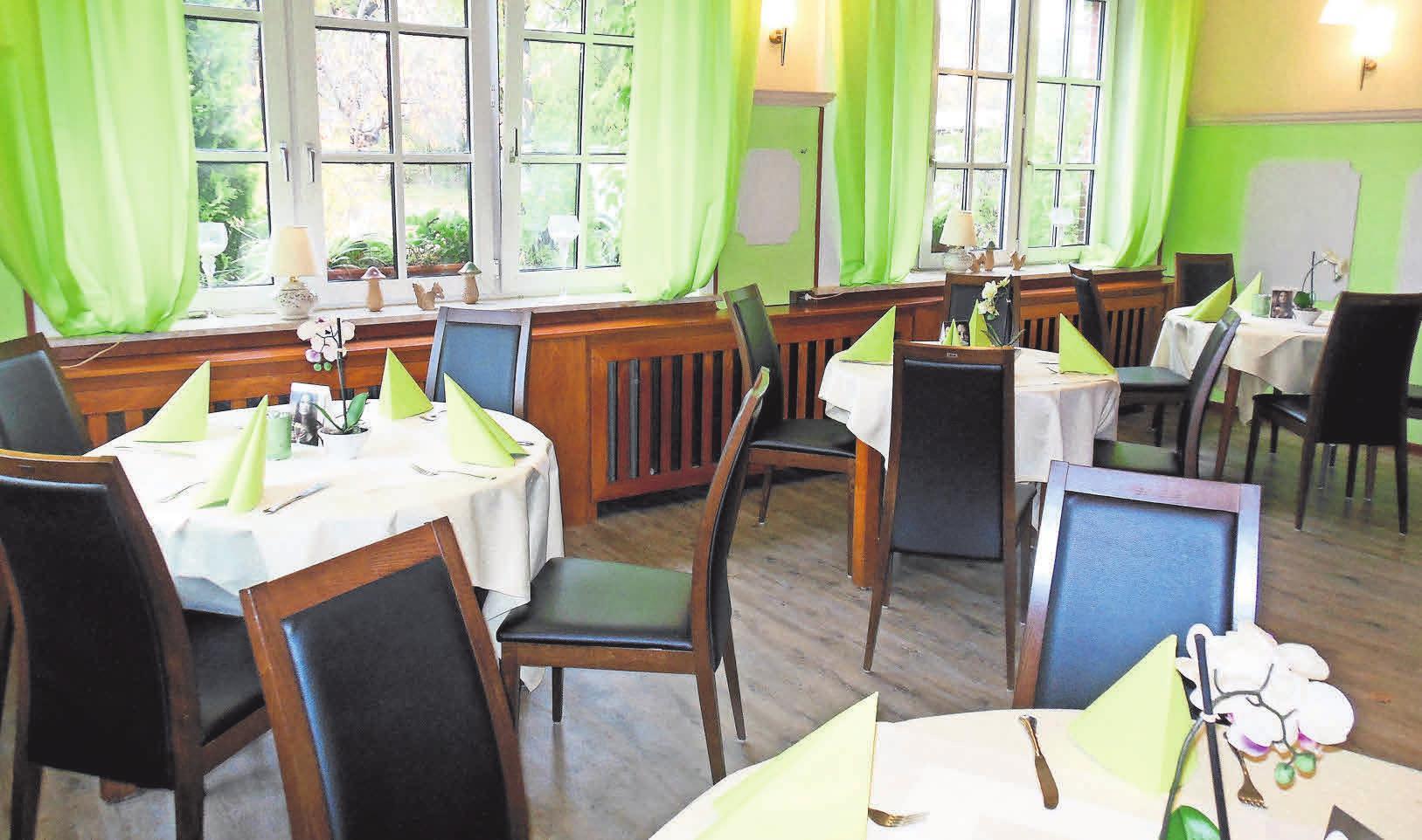 In Knop's Restaurant kann gepflegt gefeiert werden – zum Beispiel im Advent und Weihnachten.