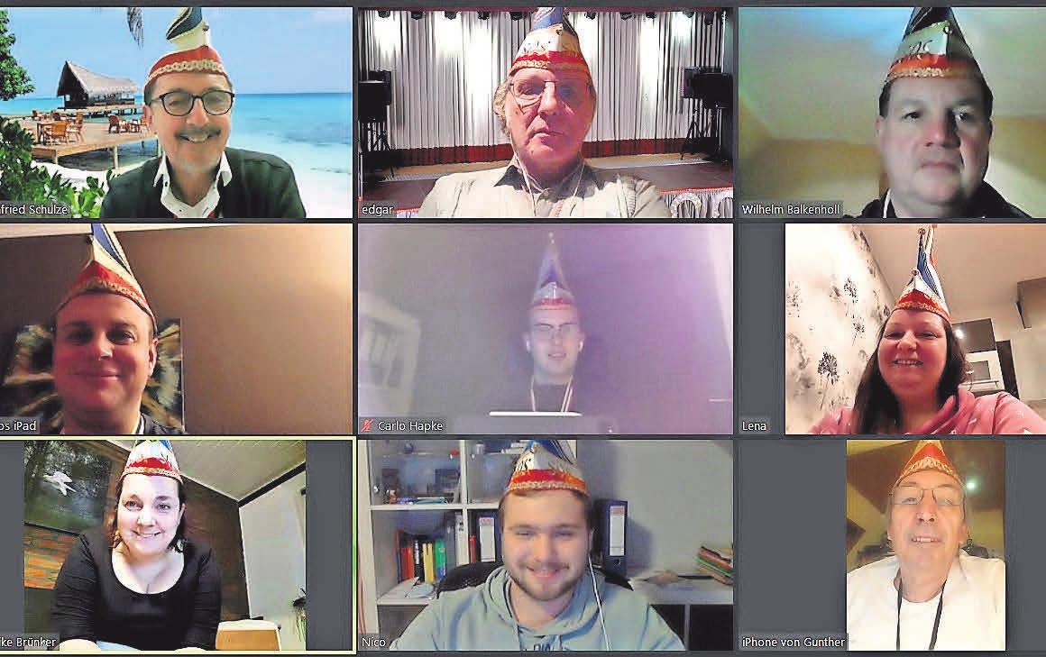 Die anwesenden neun Mitglieder des SOS-Elferrates zeigen sich gut gelaunt bei einer Online-Sitzung.
