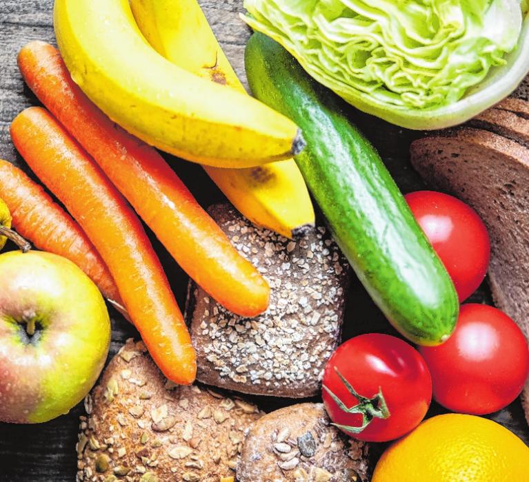 Obst und Gemüse ist ohnehin gesund – und kann außerdem das Krebsrisiko senken. FOTO: ROBERT GÜNTHER/TMN