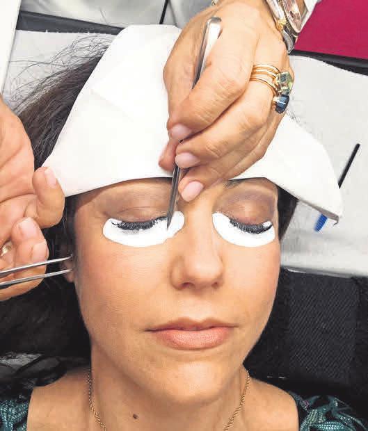 Der Salon gehört zu den Spezialisten für Wimpernverlängerungen.