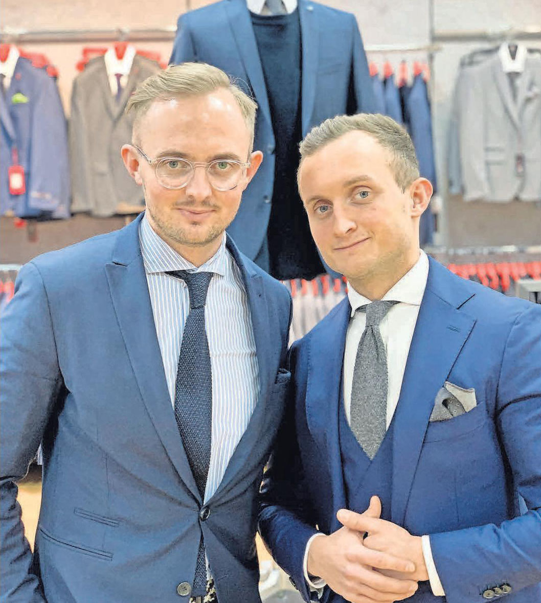 Louis und Maximilian Höpfner bieten passende Outfits für die ganze Familie.