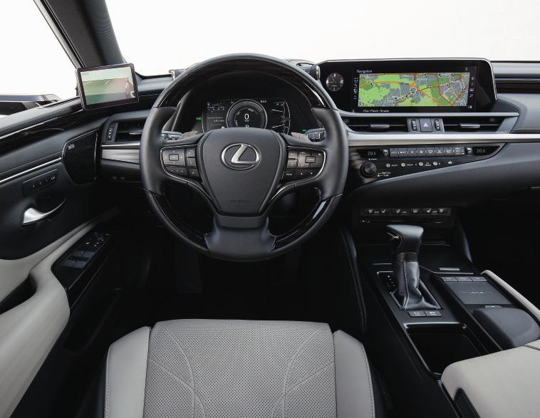 Die digitalen Außenspiegel senken den Spritverbrauch. Fotos: Lexus