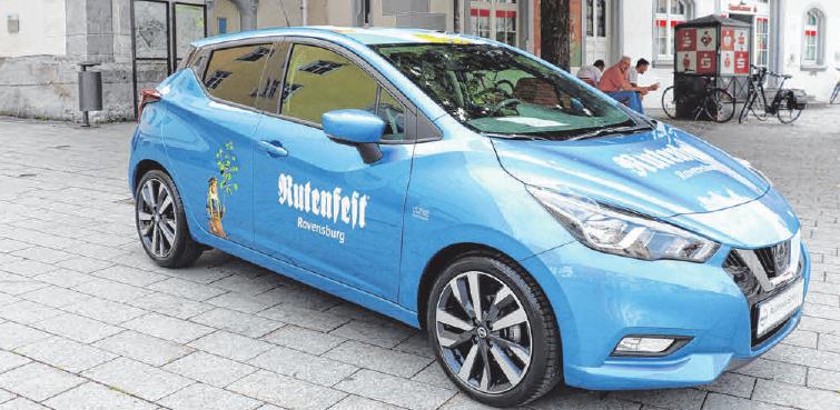 Der Rutenfest-Hauptgewinn ist ein Nissan Micra, gesponsert vom Autohaus Ebner Baienfurt/Ravensburg-Untereschach. FOTOS: ROSA LANER