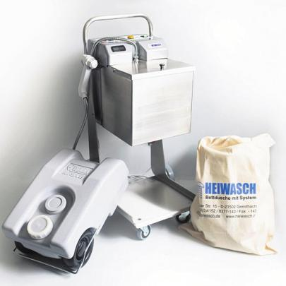 Zum Nachrüsten: Mit der mobilen Bettdusche können Patienten im eigenen Pflegebett geduscht werden. Foto:HVR Rothert