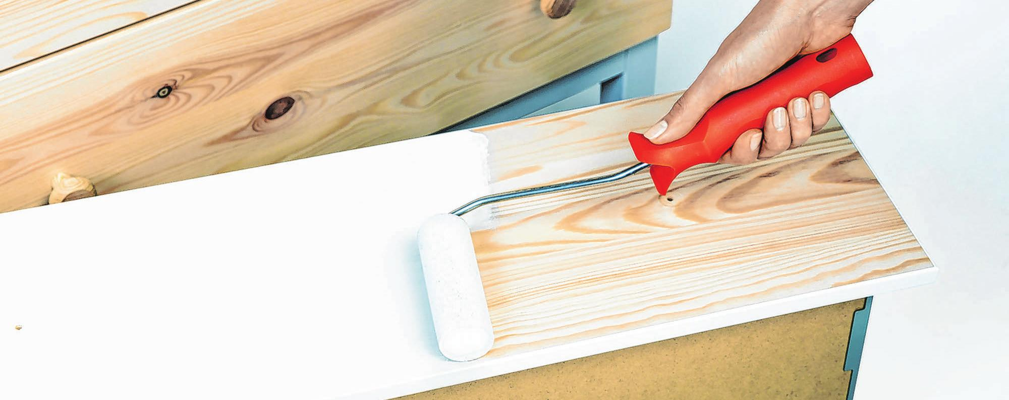 Neuer Look für Schränke und Kommoden: Mit etwas frischer Farbe kann man Holzmöbeln leicht einen anderen Charakter verleihen. Foto: Schöner Wohnen Farbe/DIY Academy/dpa-mag