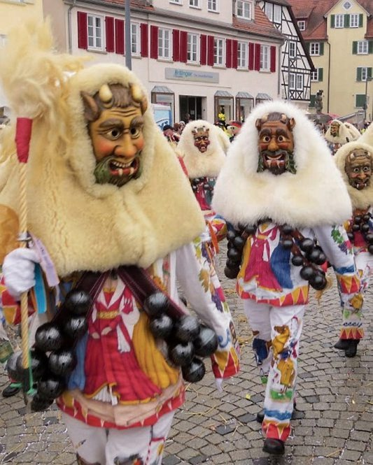Die Narren übernehmen die Stadt Rottenburg Image 2