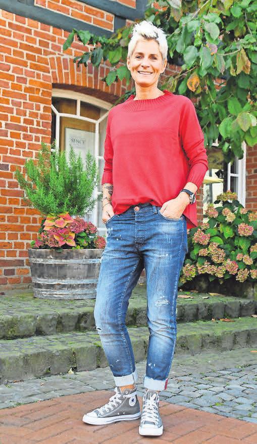 Die Goldgarn Jeans sind im Sortiment von Pit Battmer ganz neu und passen hervorragend zum kuscheligen Pullover aus Kaschmir.